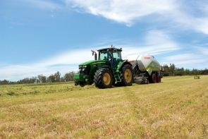 eal-group-contractors-baling-cartage-raking-mowing-wrapping-27