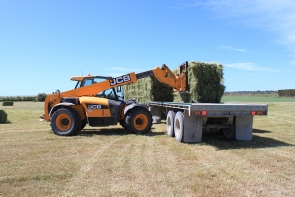 eal-group-contractors-baling-cartage-raking-mowing-wrapping-6
