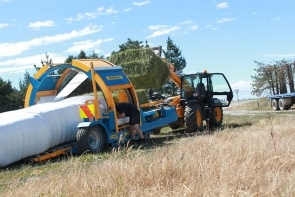 eal-group-contractors-baling-cartage-raking-mowing-wrapping-60
