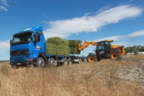 eal-group-contractors-baling-cartage-raking-mowing-wrapping-61